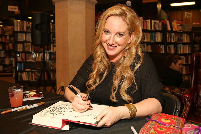 Leigh+Bardugo+at+one+of+her+book+signings.