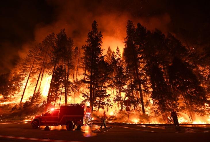 Blackouts%2C+Downed+Lines%2C+Smoke%3A+It%E2%80%99s+California+Wildfire+Season