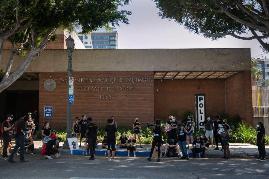 Road+To+Reform%3A+Los+Angeles+Creates+Unarmed+Responder+Units+For+Nonviolent+911+Calls